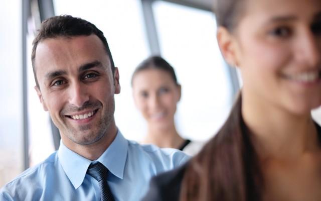 Comment-stimuler-le-bonheur-de-votre-équipe-sans-dépenser-dargentCDM